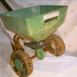 Official Cameron Yards Gardenplus seeder. Financing available. $89